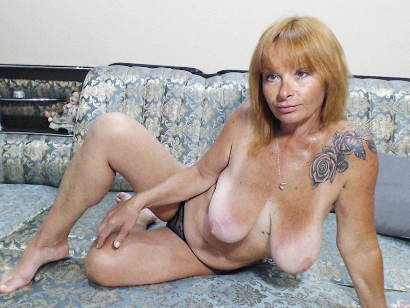 SexyElly
